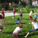 Kindertreff spielt in der Sonne